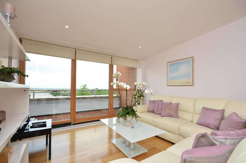 2 Bedrooms Penthouse Flat for sale in Epsom Road, Guildford, GU1
