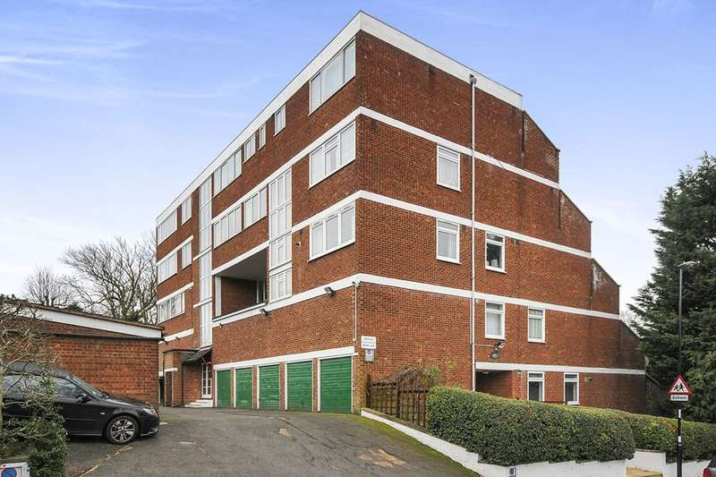 2 Bedrooms Flat for sale in Spurgeon Road, London, SE19