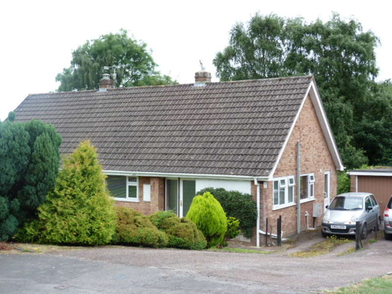 2 Bedrooms Semi Detached House for sale in Greenlands Close, Wyesham, Monmouth