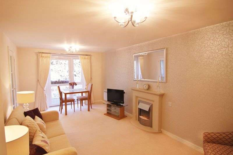 1 Bedroom Flat for sale in Oaklands Drive, Okehampton