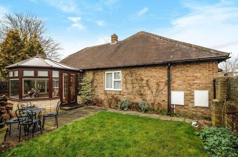 2 Bedrooms Detached Bungalow for sale in Godwyn Close, Abingdon