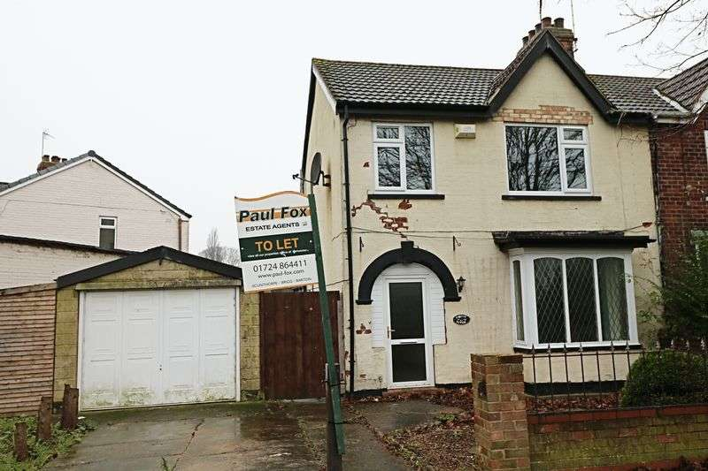 3 Bedrooms Semi Detached House for sale in Henderson Avenue, Scunthorpe