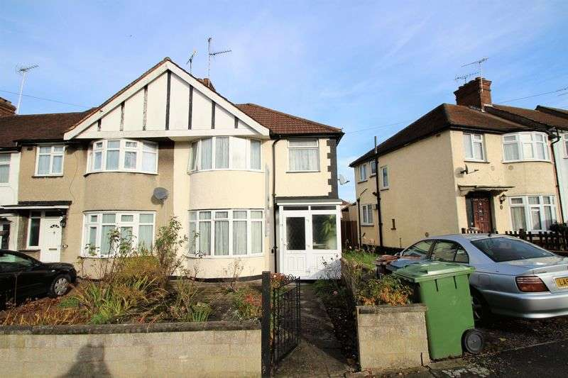 3 Bedrooms Semi Detached House for sale in Abercorn Crescent, Harrow