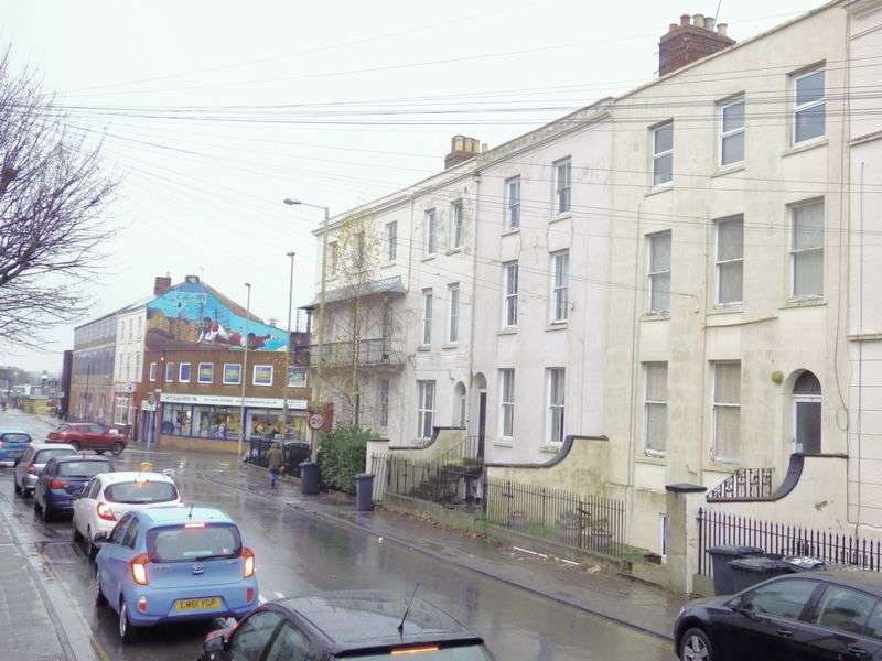 1 Bedroom Flat for sale in Spa Road, Gloucester