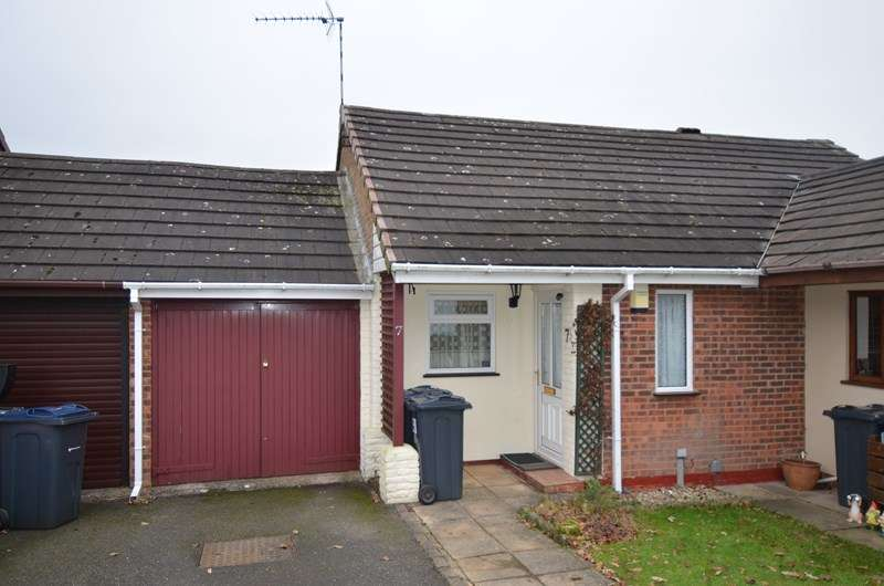 2 Bedrooms Terraced Bungalow for sale in Bells Farm Close, Druids Heath, Birmingham