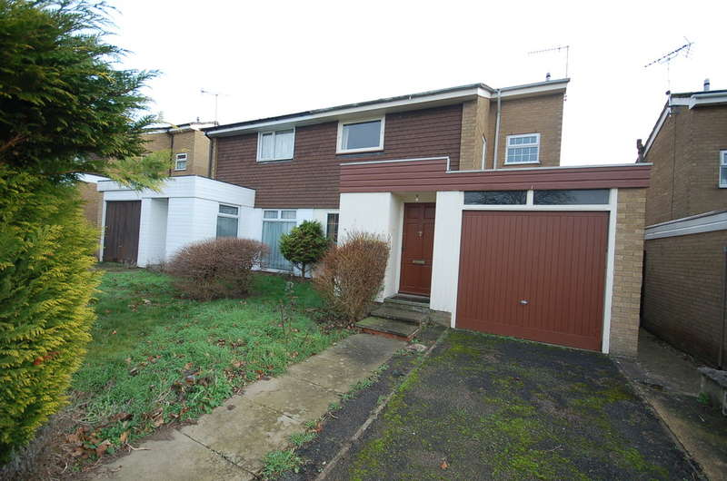 3 Bedrooms Semi Detached House for sale in Canterbury Way, Thetford