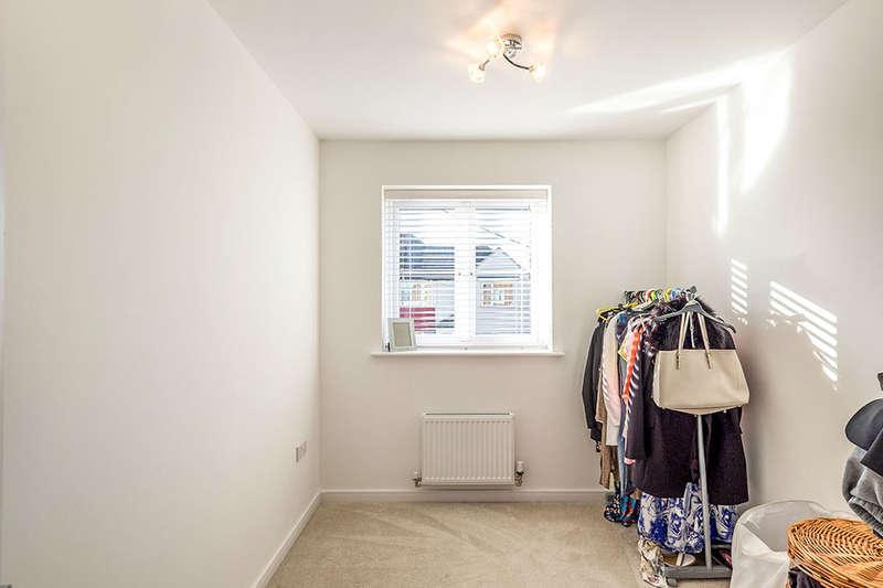 3 Bedrooms Property for sale in Bells Lane, Hoo, Rochester, ME3