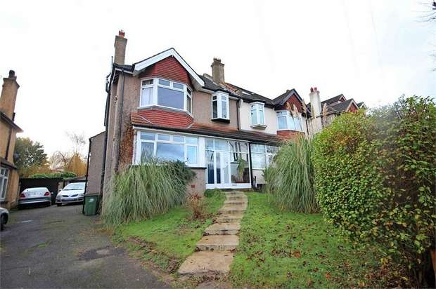 4 Bedrooms Semi Detached House for sale in Stanley Park Road, Carshalton, Surrey