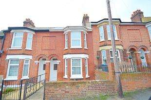 3 Bedrooms Terraced House for sale in Stanhope Road, Dover, Kent