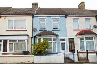 3 Bedrooms Terraced House for sale in Park Avenue, Northfleet, Gravesend, Kent