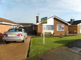 3 Bedrooms Bungalow for sale in Taylors Lane, St. Marys Bay, Romney Marsh, Kent