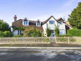 4 Bedrooms Detached House for sale in Trindles Road, South Nutfield, Redhill, Surrey