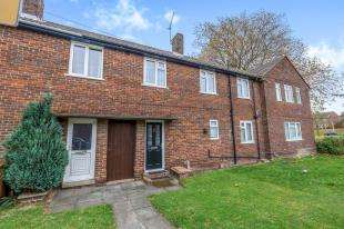 4 Bedrooms Terraced House for sale in Aylesford Crescent, Twydall, Gillingham, Kent