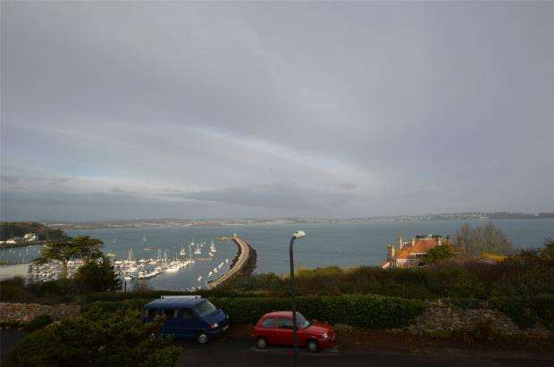 3 Bedrooms Terraced House for sale in Heath Rise, Heath Road, Brixham, Devon