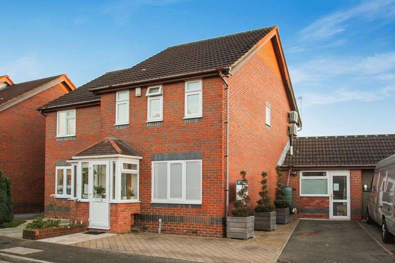 5 Bedrooms Semi Detached House for sale in Telford Way, Hayes - MOVE TODAY