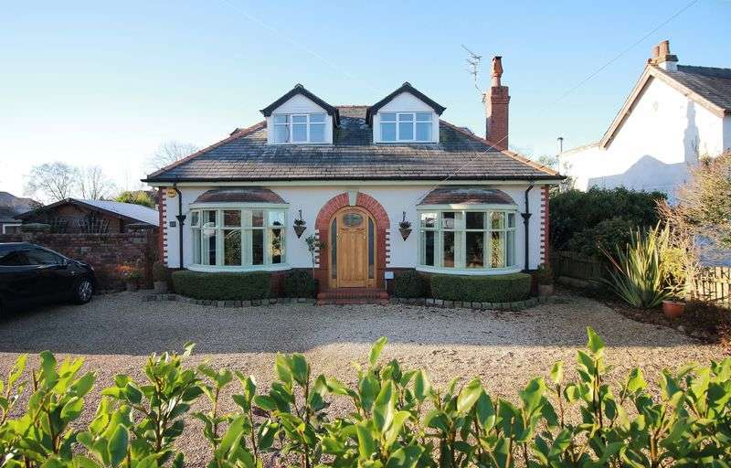 3 Bedrooms Detached Bungalow for sale in 20 Fleetwood Road, Poulton-Le-Fylde Lancs FY6 7NL