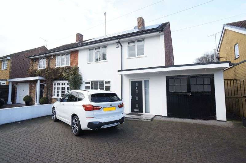 3 Bedrooms Semi Detached House for sale in Knoll Road, Sidcup, DA14 4QT
