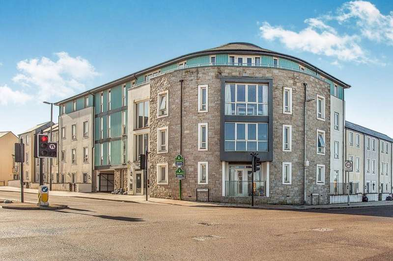 1 Bedroom Flat for sale in Vyvyan House Kerrier Way, Camborne, TR14