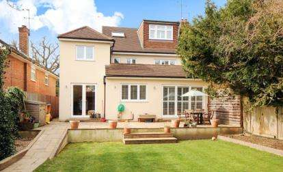 4 Bedrooms Semi Detached House for sale in Hendon Wood Lane, Mill Hill, London