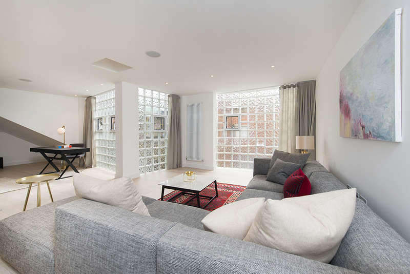 2 Bedrooms Flat for sale in Unit 5, White Horse Yard, N1 0QD