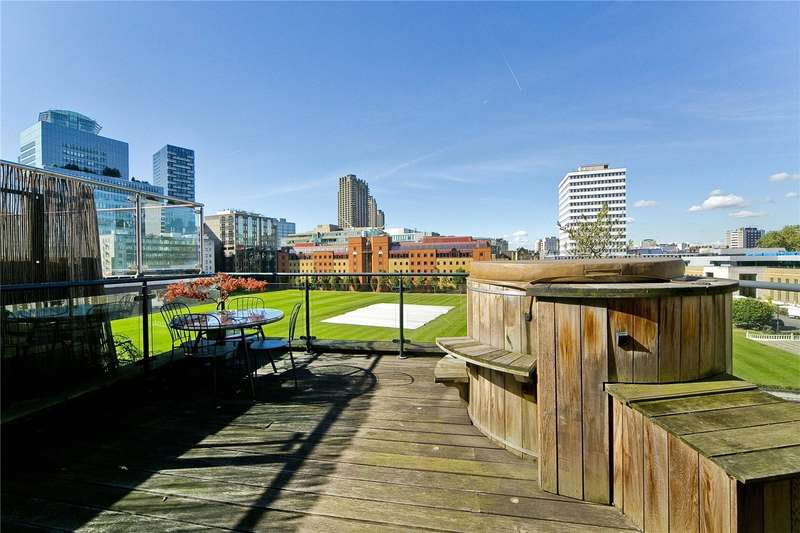 2 Bedrooms Flat for sale in City Road, Moorgate, EC1Y