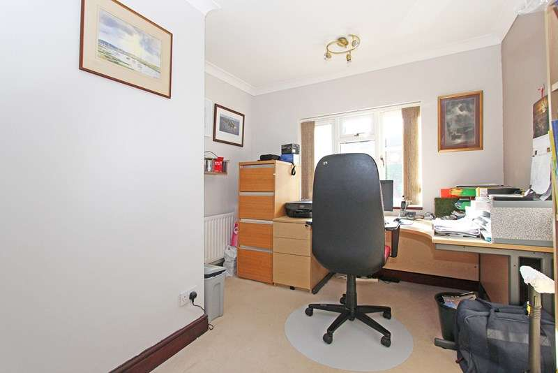 4 Bedrooms Chalet House for sale in Sway Road, Lymington