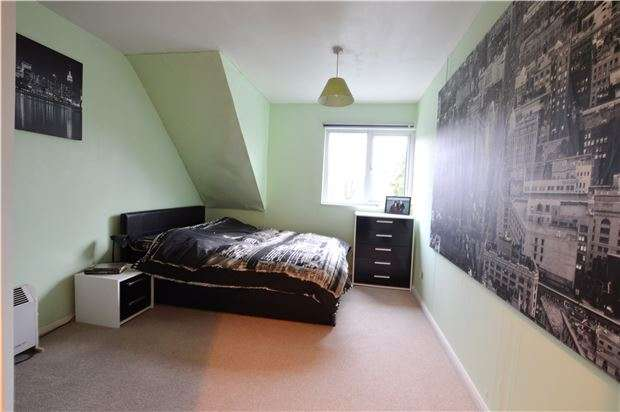 1 Bedroom Flat for sale in Camden Road, SUTTON, Surrey, SM1 2SH