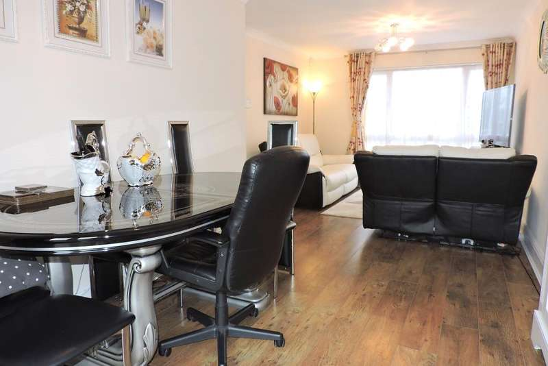 3 Bedrooms End Of Terrace House for sale in Tiberius Road, Luton, Bedfordshire, LU3 3QJ