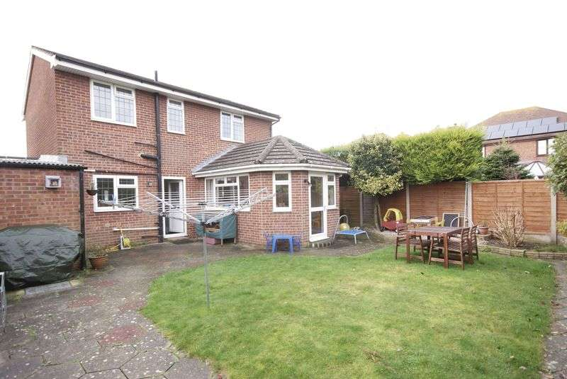 3 Bedrooms Detached House for sale in Stubbington, PO14