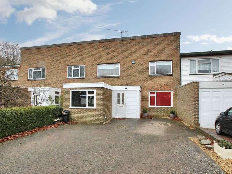 4 Bedrooms Terraced House for sale in Iona Close, Broadfield, Crawley, West Sussex