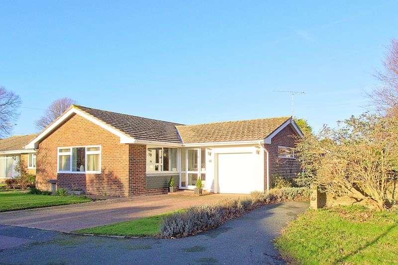 3 Bedrooms Detached Bungalow for sale in The Lawn, Aldwick, Bognor Regis, PO21