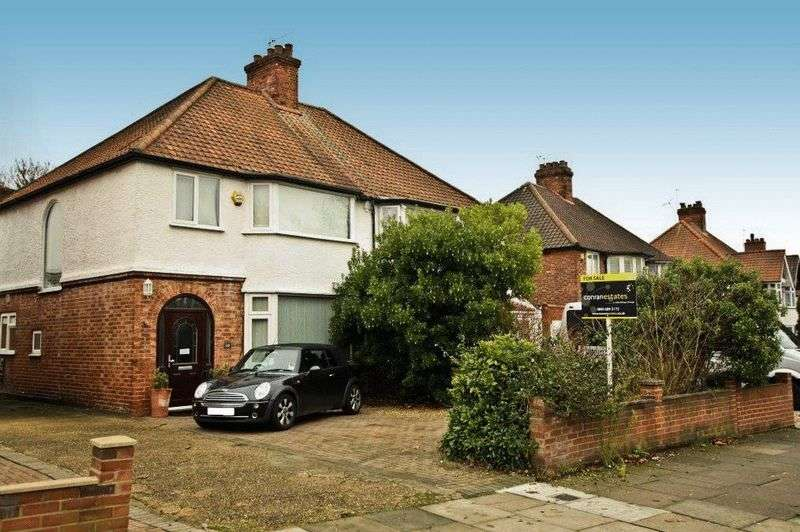 3 Bedrooms Semi Detached House for sale in Footscray Road, Eltham SE9