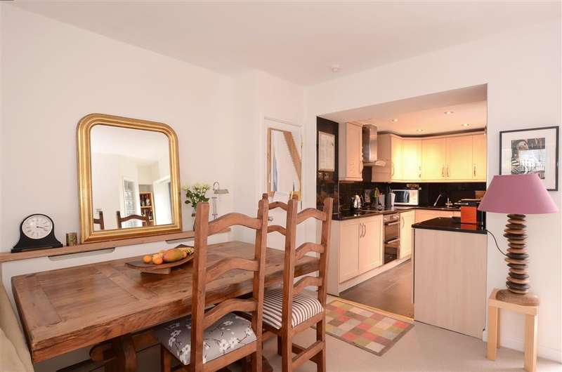 2 Bedrooms Ground Flat for sale in Rugby Place, Brighton, East Sussex