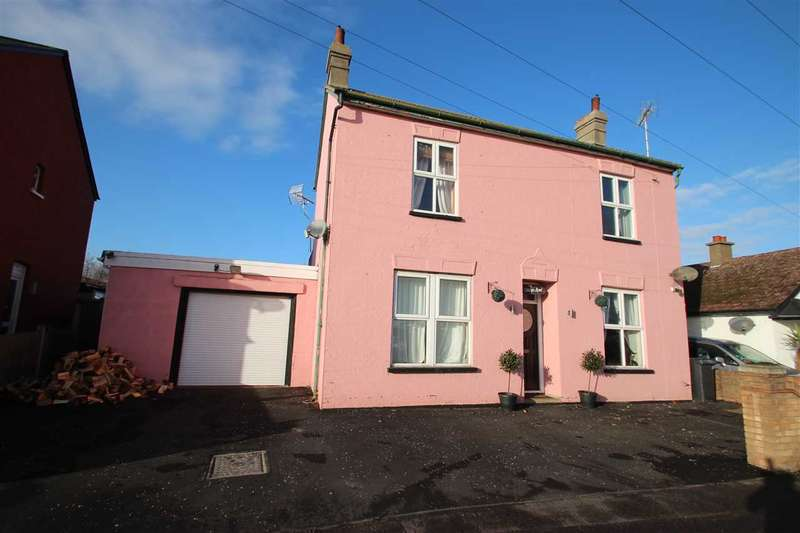 4 Bedrooms Detached House for sale in Thorpe Road, Clacton On Sea