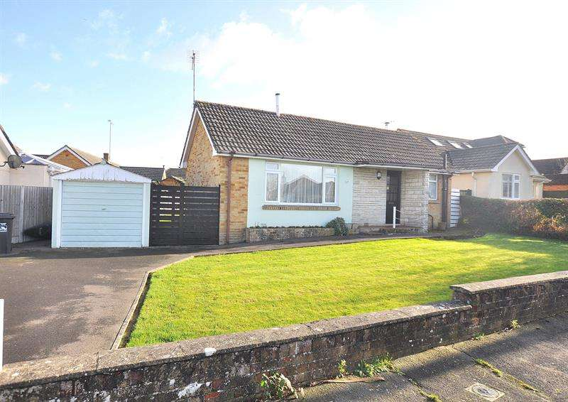 2 Bedrooms Detached Bungalow for sale in Merley Ways, Wimborne