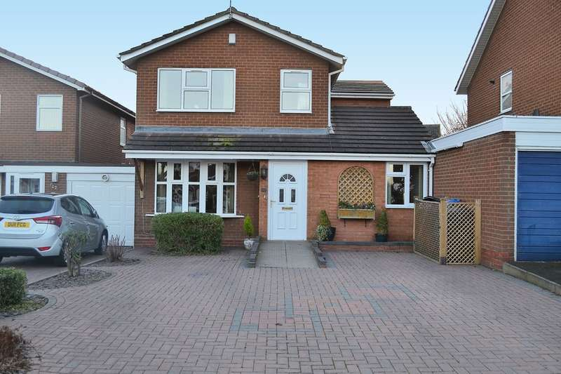 4 Bedrooms Semi Detached House for sale in Southwark Close, Lichfield, WS13 7SH