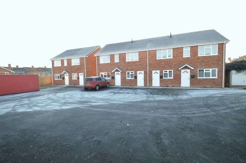 2 Bedrooms Terraced House for sale in Arrow Mews, New Road, Studley