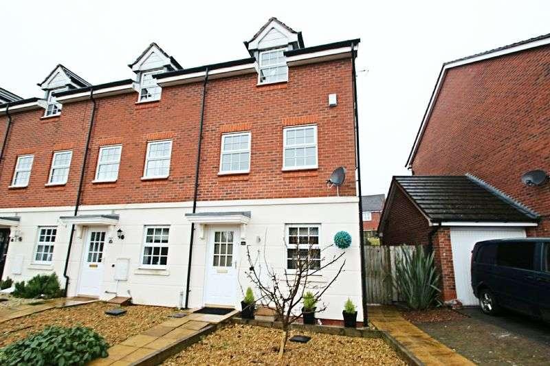 3 Bedrooms House for sale in Blackbird Way, Packmoor, Stoke-On-Trent