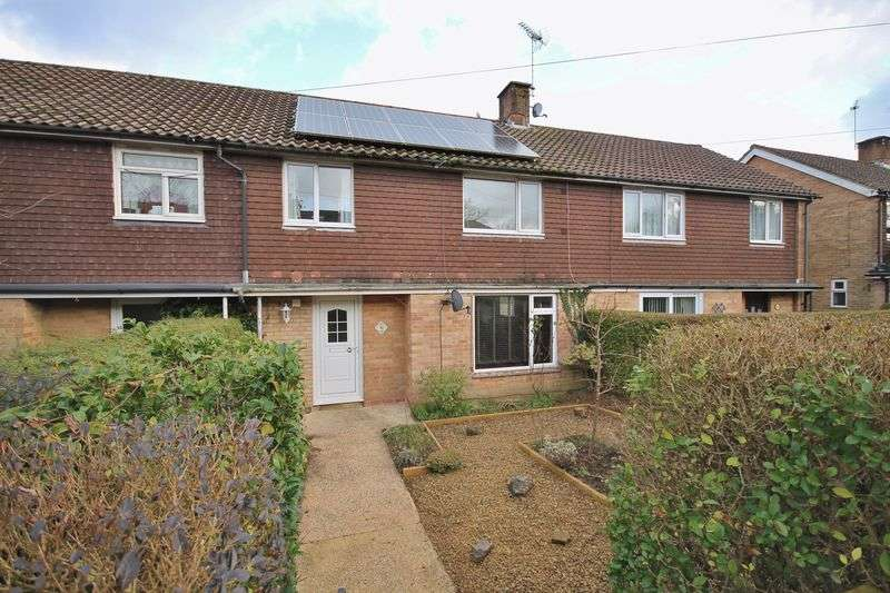 3 Bedrooms Terraced House for sale in Beech Grove, Storrington