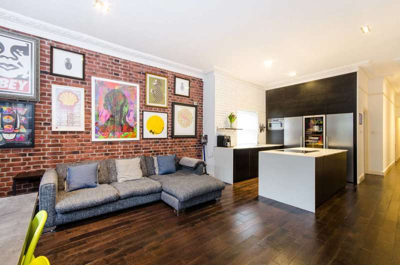 3 Bedrooms Flat for sale in Tooting Bec Gardens, Streatham Park, SW16
