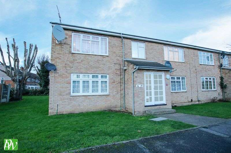 1 Bedroom Flat for sale in Marsh Close, Waltham Cross