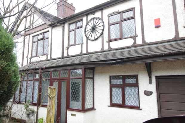 6 Bedrooms Semi Detached House for sale in High Lane, Stoke-On-Trent, Staffordshire, ST6 7DG
