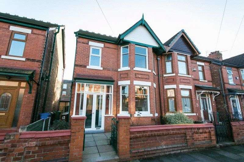 3 Bedrooms Semi Detached House for sale in Sylvandale Avenue, Manchester
