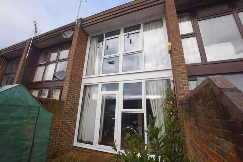 1 Bedroom Terraced House for sale in Old Groveway, Simpson, Milton Keynes.