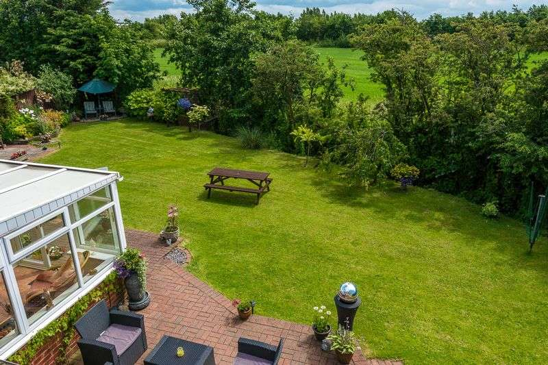5 Bedrooms Detached House for sale in Mairscough Lane, Downholland, Ormskirk