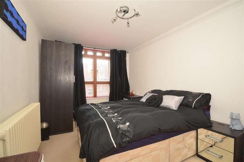 2 Bedrooms Apartment Flat for sale in Adelaide Place, Canterbury, Kent
