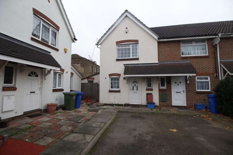3 Bedrooms Property for sale in Sandlings Close, Peckham, London, SE15