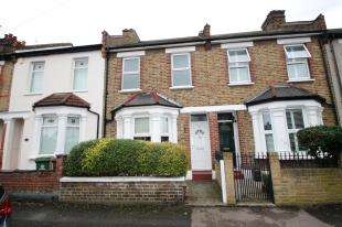 2 Bedrooms Terraced House for sale in Lewis Road, Welling