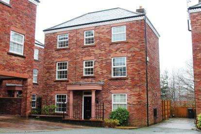 4 Bedrooms Detached House for sale in Woodland View, Hyde, Greater Manchester