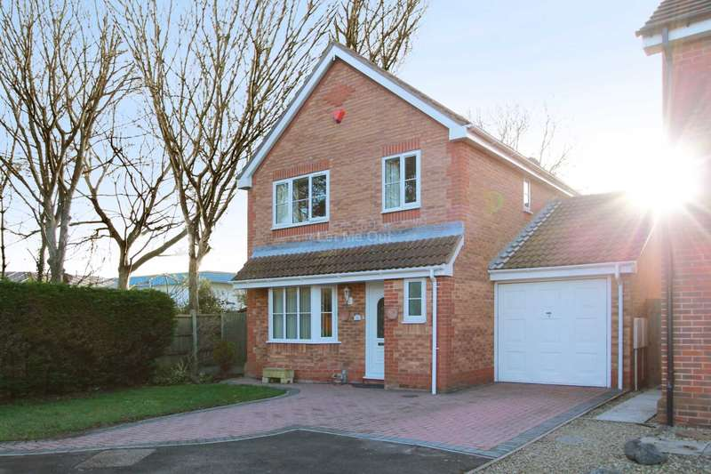 4 Bedrooms Detached House for sale in Capell Close, Milton